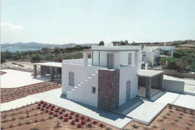 Residence of 138m2 with a view at prominent position by the sea.