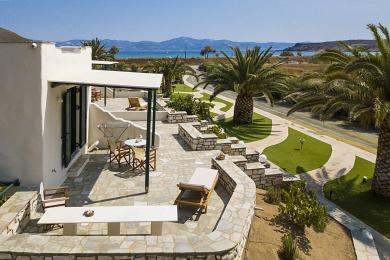 Paros, seaside complex of studios and apartments for rent