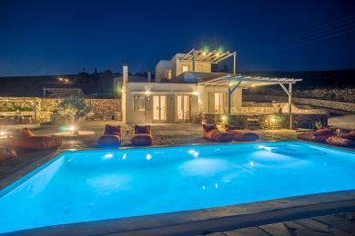 Paros, Elegant Villa with private pool and amazing views